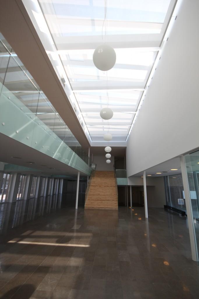 Nyt dobbelthøjt foyerområde