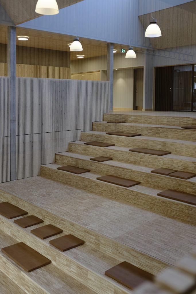 Aulatrappe og ovenlys_foto Simon Damholt Løwenstein