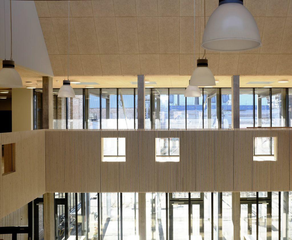 Kig fra fællestrappe indskoling 1.sal