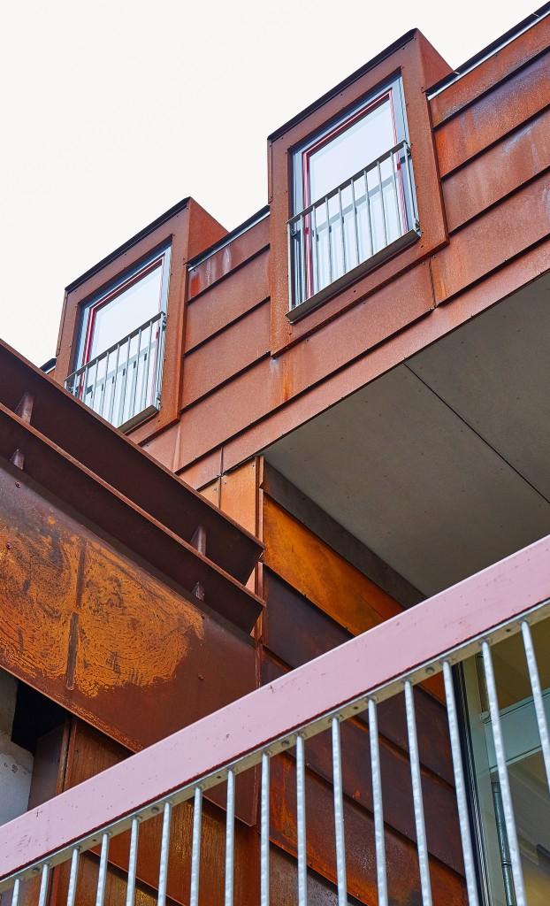 Østfacade med ny karnapper_foto Jakob Birgens