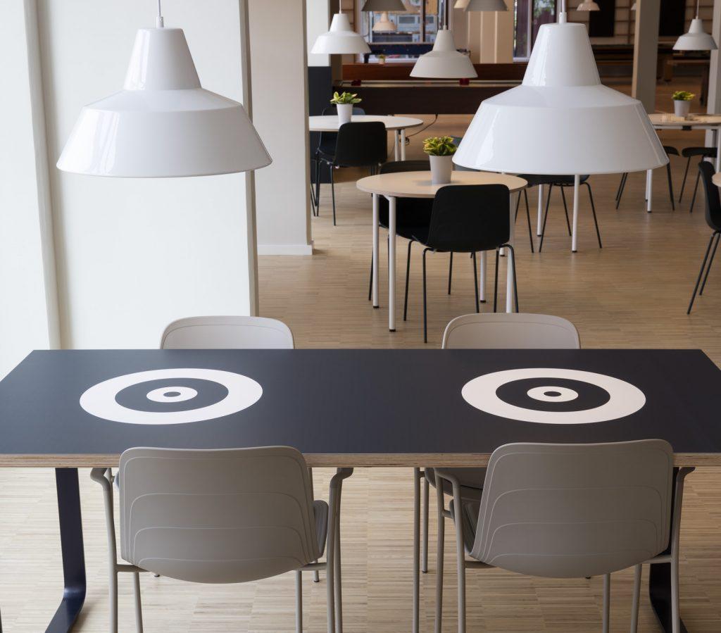 spilleborde i Café foto_Torben Eskerod