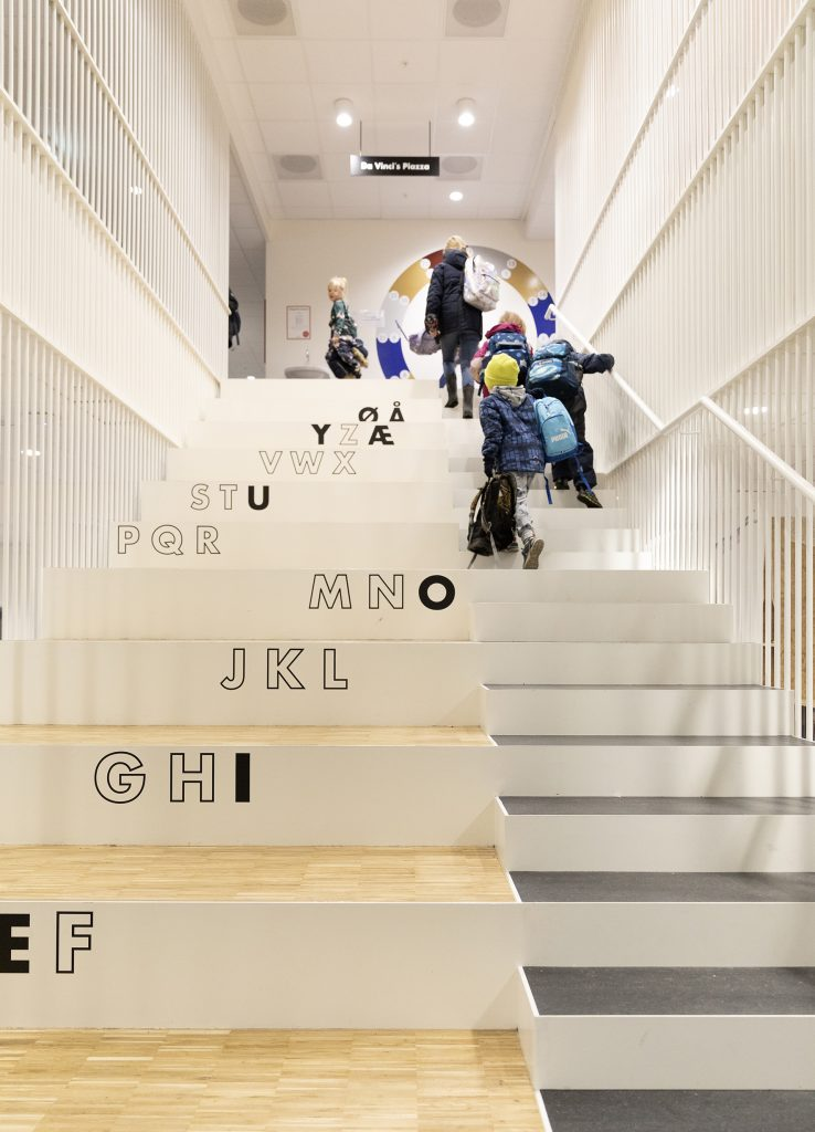 Learning staircase Primary/ The Alphabet_foto Torben Eskerod